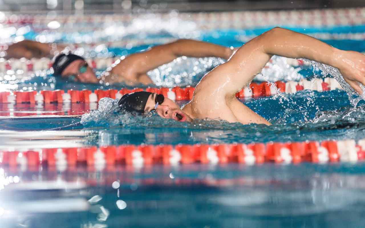 Allenatore di nuoto morto per Covid (AdobeStock)