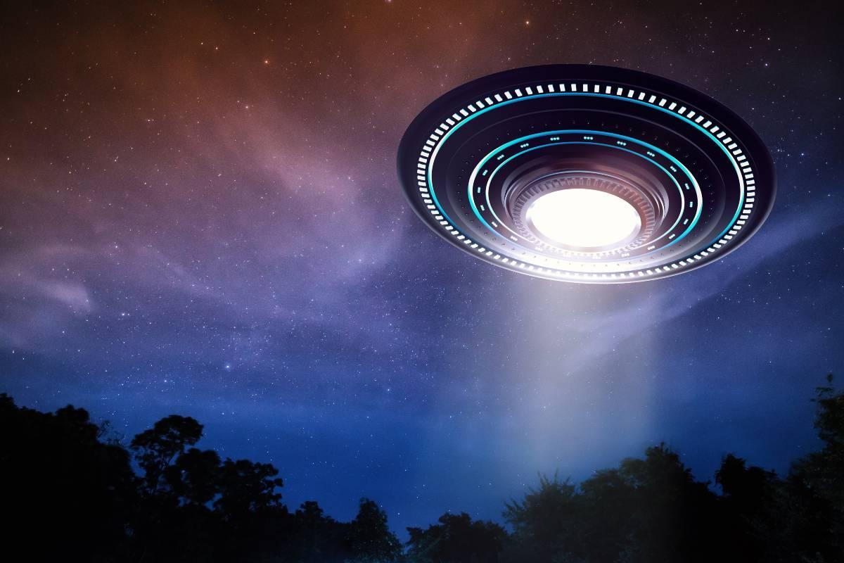 UFO (AdobeStock)