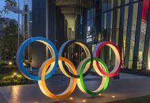 Olimpiadi, atleta anziano vince la medaglia: sapete quanti anni ha?