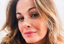 Vanessa Incontrada incanta: conquista tutti col look acqua e sapone