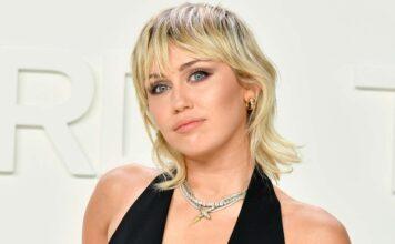 Miley Cyrus, Lato B da paura: scandalo sul web (FOTO)