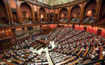 """Ddl Zan: passa la """"tagliola"""" al Senato, caos in aula"""